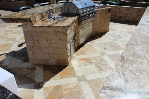 Tuscany Beige 6X24 Split Face Stone Veneer